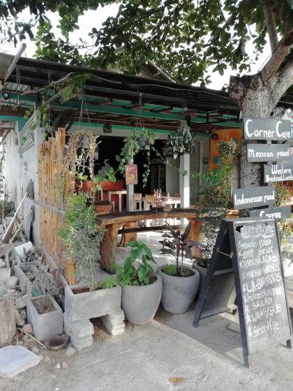 Bali-Uluwatu-Corner-Cafe