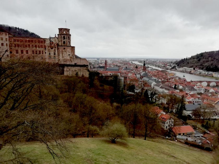 Heidelberg-Schloss-Stadtblick-Neckar