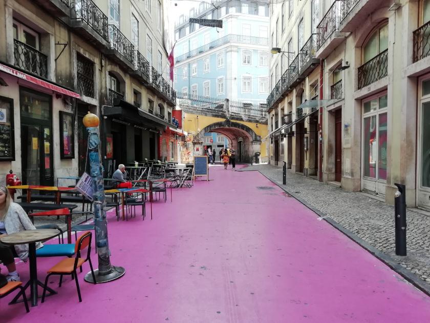 Lissabon-Pink-Street